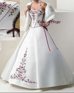 273f9416056 Robe de mariée blanche et bordeaux. - Boutique robe-d-ange.wifeo.com