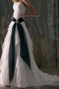 Robe de mariée noir et blanc - Boutique robe-d-ange.wifeo.com