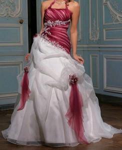 Robe de mariée blanche et bordeaux - Boutique robe-d-ange.wifeo.com