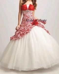 robe de mari e blanche et rouge boutique robe d. Black Bedroom Furniture Sets. Home Design Ideas