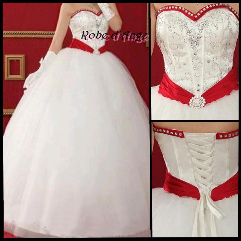 mariée avec robe rouge blanc