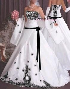 Robe de mariee noire et blanche