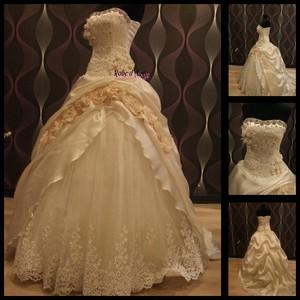 robe de mari e champagne clair boutique robe d. Black Bedroom Furniture Sets. Home Design Ideas