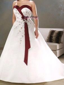 2cd1e5abbd1 Robe de mariée blanche et bordeaux - Boutique robe-d-ange.wifeo.com