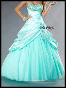 Robe de mariage bleu ciel for Robes bleu ciel pour un mariage