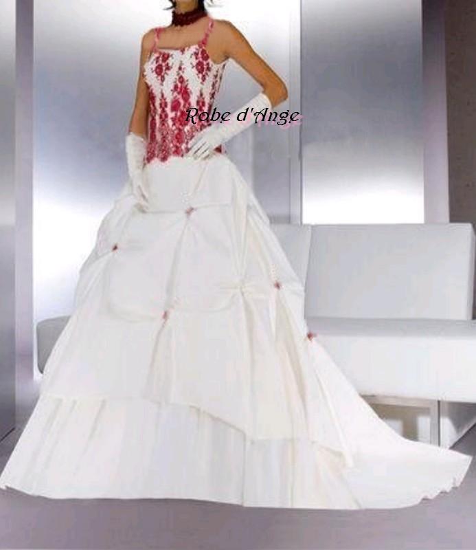 Robe de marier rouge et blanche